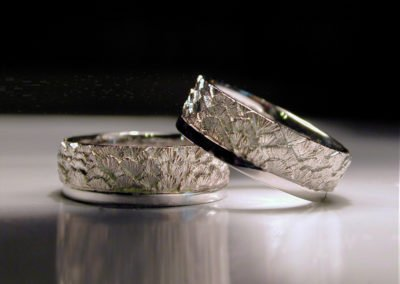 custom wedding rings eagle feathers